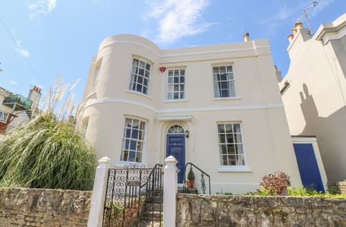 Last Minute Cottages - Burford House
