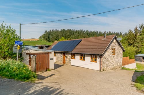 Last Minute Cottages - Stone House