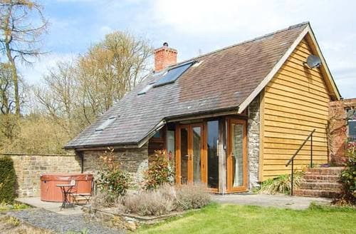 Last Minute Cottages - The Cwtch
