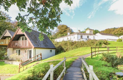 Last Minute Cottages - Valley Lodge No 1
