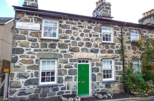 Last Minute Cottages - Bro Dawel