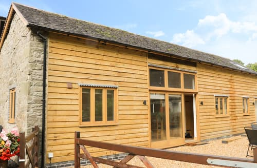 Last Minute Cottages - The Barn at Pillocks Green