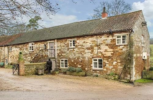 Last Minute Cottages - Croxton Lodge and Curlews Nest