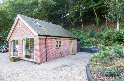 Last Minute Cottages - Woodland Cottage