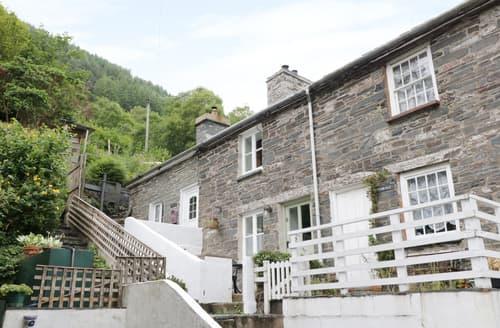 Last Minute Cottages - Tanrallt