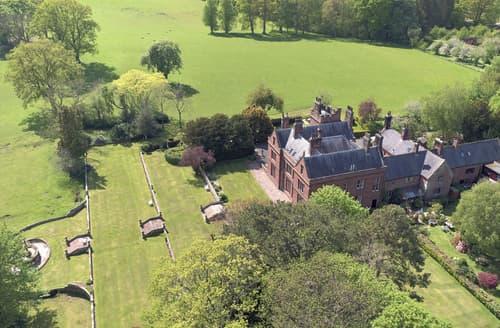 Last Minute Cottages - Staffield Hall