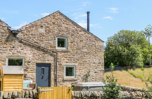 Last Minute Cottages - Overlea Cowshed