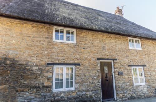 Last Minute Cottages - Honeypot Cottage