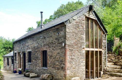 Last Minute Cottages - Tamar Barn