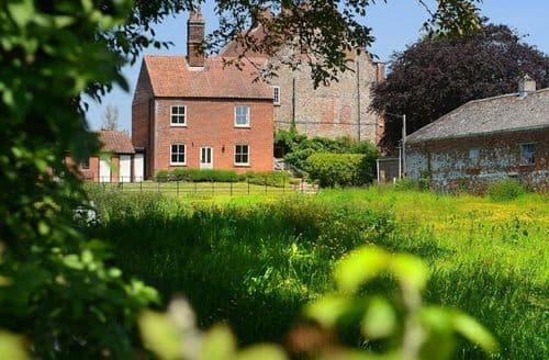 Last Minute Cottages - Ludham Hall Cottage