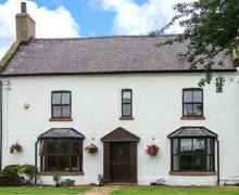 Snaptrip - Last minute cottages - Attractive Sykehouse Cottage S9019 -