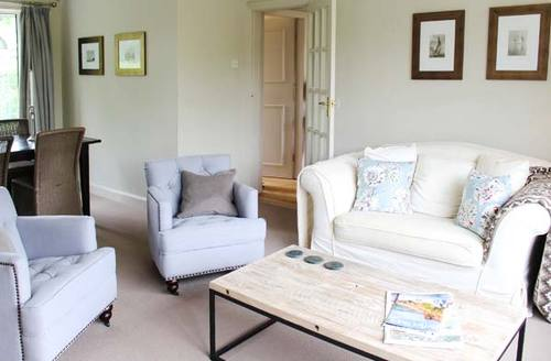 Snaptrip - Last minute cottages - Lovely Great Longstone Cottage S9024 -