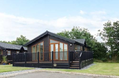 Snaptrip - Last minute cottages - Quaint Polperro Lodge S9082 -