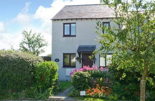 Snaptrip - Last minute cottages - Cosy Lindale Cottage S9095 -