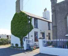 Snaptrip - Last minute cottages - Wonderful Rhoscolyn Cottage S9099 -