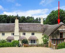 Snaptrip - Last minute cottages - Attractive Roadwater Lodge S9145 -