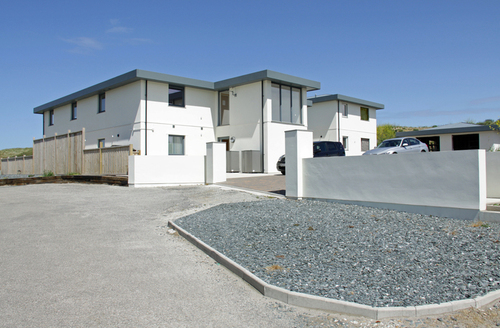 Snaptrip - Last minute cottages - Adorable Perranporth Apartment S9161 -