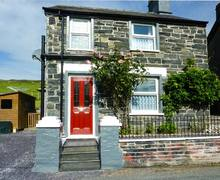 Snaptrip - Last minute cottages - Gorgeous Cwm Penmachno Cottage S9234 -