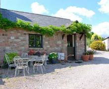 Snaptrip - Last minute cottages - Wonderful Penallt Cottage S9236 -