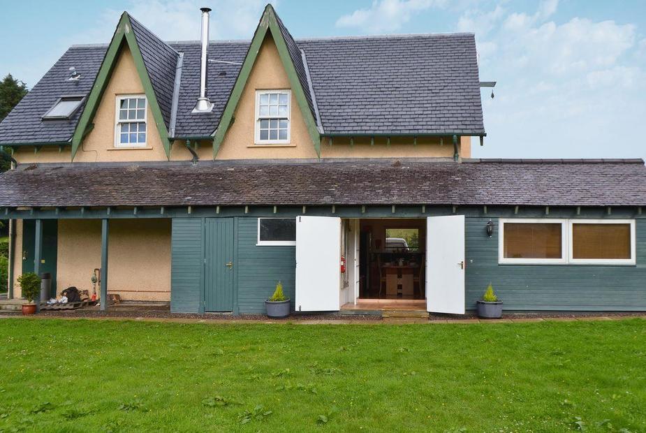 Hayloft Delightful first floor holiday apartment | Hayloft, The Bothy - Tulchan Estate Cottages, Glenalmond, near Crieff