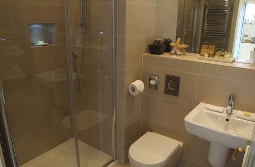 Snaptrip - Last minute cottages - Exquisite Penzance Apartment S9296 -