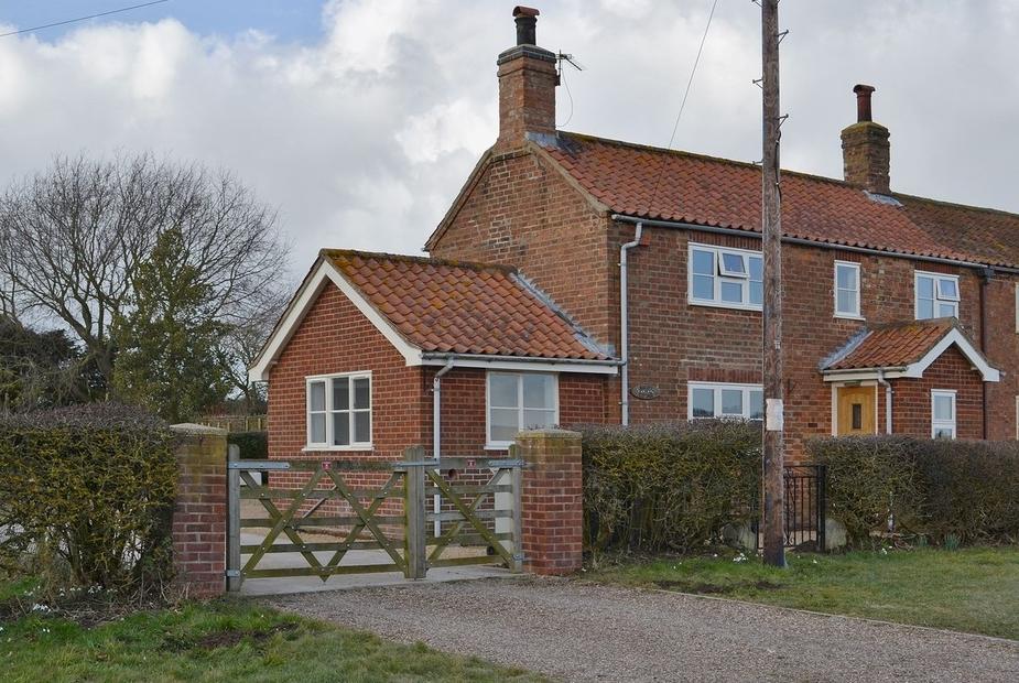 Bocott Cottage Exterior | Bocott Cottage, Hemingby, nr. Horncastle