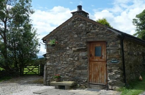 Snaptrip - Last minute cottages - Exquisite Kendal Stables S828 - Stable Cottage, Brunt Knott Farm, Self catering cottage, Lakes Cottage Holidays