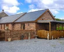 Snaptrip - Last minute cottages - Lovely St. Clears Cottage S9420 -