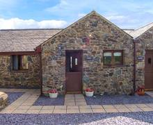 Snaptrip - Last minute cottages - Luxury Llangaffo Cottage S9547 -