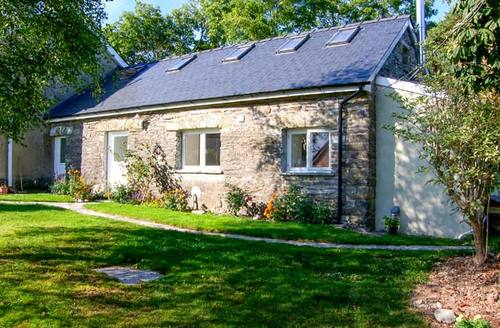 Snaptrip - Last minute cottages - Delightful Felinwynt Cottage S9693 -