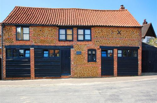 Snaptrip - Last minute cottages - Excellent Snettisham Rental S9735 - External