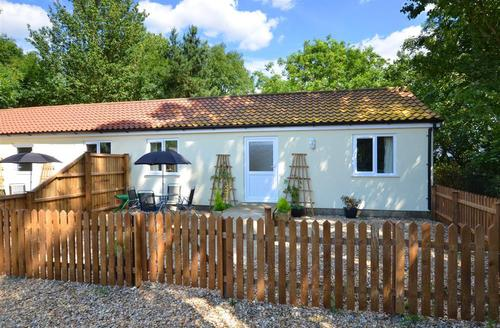 Snaptrip - Last minute cottages - Cosy Welborne Rental S9738 - Exterior
