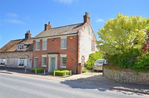 Snaptrip - Last minute cottages - Excellent Thornham Rental S9781 - Exterior