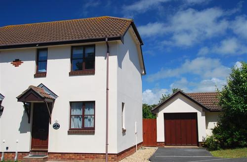 Snaptrip - Last minute cottages - Charming Croyde Rental S9811 - External - View 1