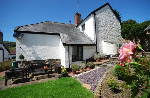 Snaptrip - Last minute cottages - Gorgeous Ilfracombe Rental S9829 - SHIPN - The Shippen 1