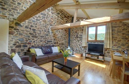 Snaptrip - Last minute cottages - Attractive Umberleigh Rental S9843 - Sitting Room