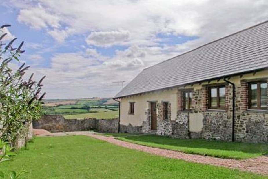 Cob Cottage - 25979 Exterior | Winscott Barton Barns: Cob Cottage, Littleham, nr. Bideford