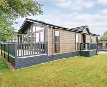 Snaptrip - Last minute cottages - Inviting Bewaldeth Lodge S70204 -