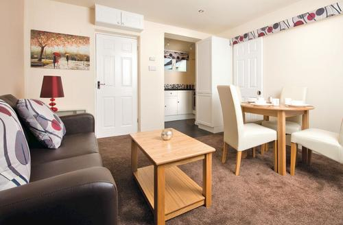 Snaptrip - Last minute cottages - Adorable Burnham On Sea Lodge S70261 - Gold Chalet