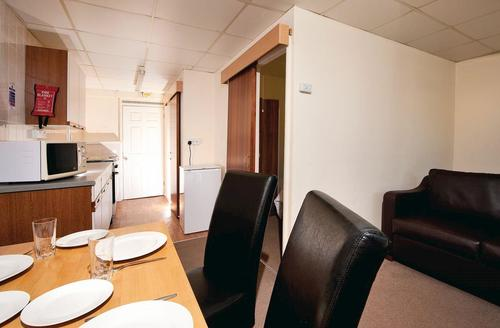 Snaptrip - Last minute cottages - Tasteful Burnham On Sea Lodge S70262 - Typical Bronze Chalet