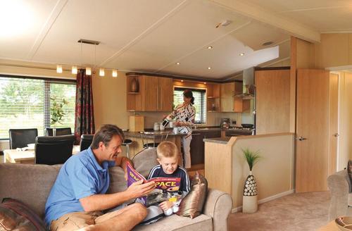 Snaptrip - Last minute cottages - Cosy Burnham On Sea Lodge S70264 - SM 3 Bed Platinum Lodge