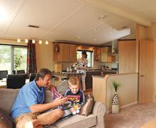 Snaptrip - Last minute cottages - Cosy Burnham On Sea Lodge S70264 - SM 3 Bed Platinum Lodge