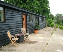 Snaptrip - Last minute cottages - Inviting Hastingleigh Cottage S70395 -