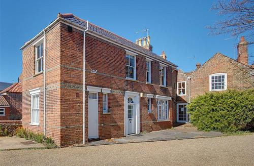 Snaptrip - Last minute cottages - Charming Southwold Rental S9920 - Main building