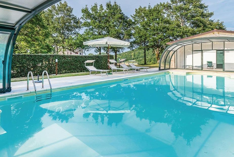 Villa Cappuccina Swimming pool | Villa Cappuccina, Casteldelci