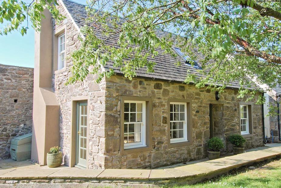 The Arns Cottage Beautiful converted stable   The Arns Cottage, Near Auchterarder