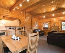 Snaptrip - Last minute cottages - Excellent Battle Lodge S71062 - The Heritage