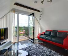 Snaptrip - Last minute cottages - Cosy Ilketshall St Margaret Rental S9988 - Sitting Area - View 2