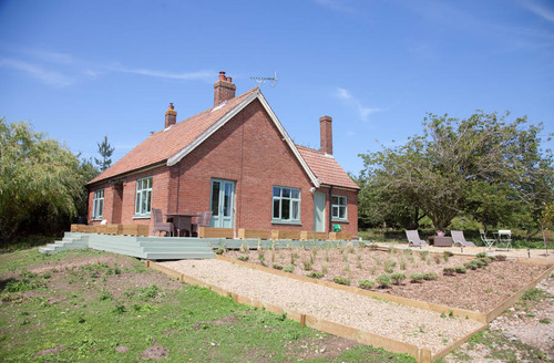 Snaptrip - Last minute cottages - Luxury Stiffkey Cottage S71175 -