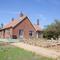 Snaptrip - Last minute cottages - Luxury Stiffkey Cottage S71175 -